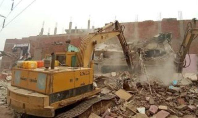 إزالة عقارات بعزبة الهجانة شرق مدينة نصر