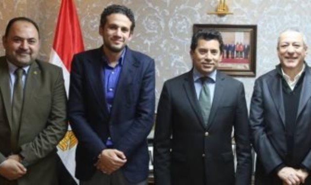 محمد فضل مع وزير الرياضة
