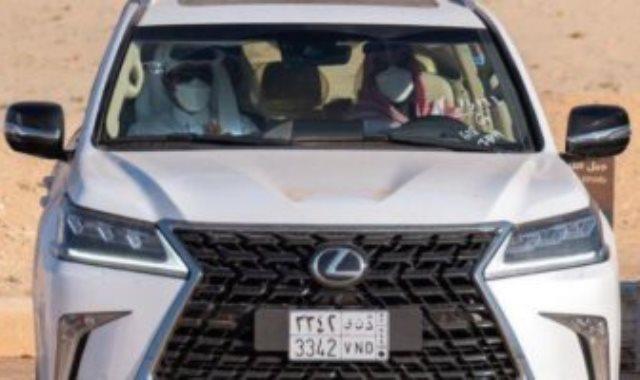 ولى العهد السعودى يصطحب أمير قطر في جولة بصحراء مدينة العلا