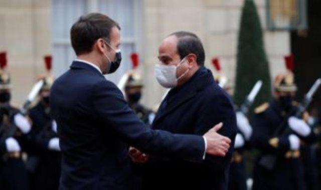الرئيسان عبد الفتاح السيسي وإيمانويل ماكرون