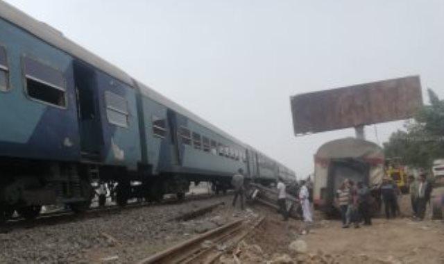 مرور القطارات بموقع الحادث