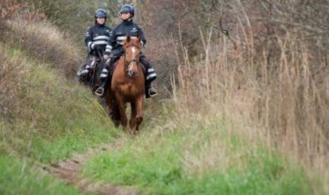 دورية للشرطة البلجيكية عند الحدود الفرنسية