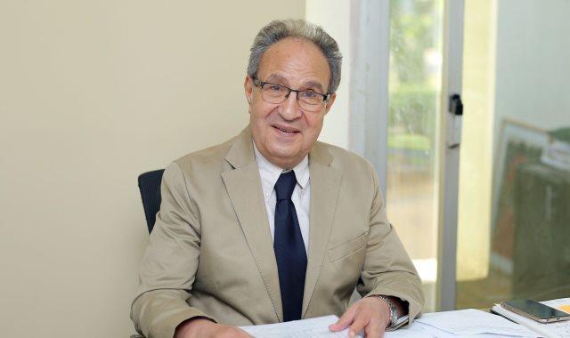 الراحل الدكتور محمد حسن العزازى