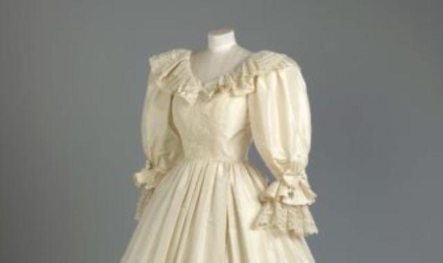 فستان زفاف الاميرة ديانا