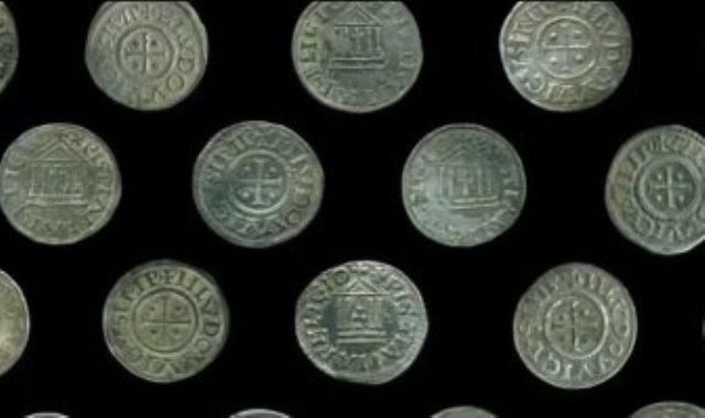 العملات التى عثر عليها