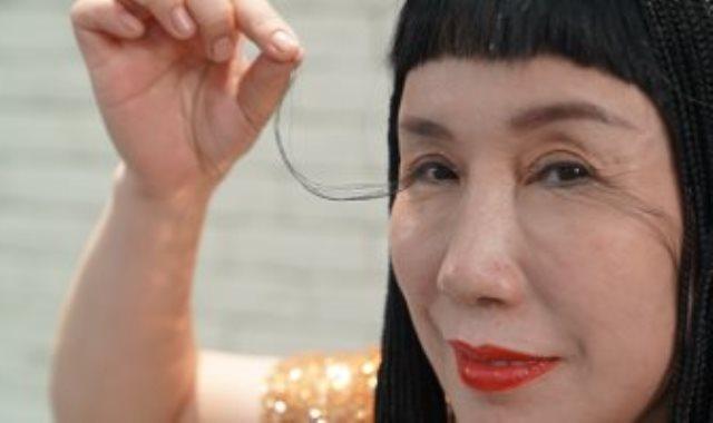 يو جيانزيا صاحبة أطول رموش في العالم