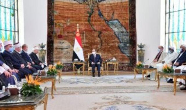 استقبال الرئيس عبد الفتاح السيسي وفد المشاركين في المؤتمر العالمي لدور وهيئات الإفتاء في العالم