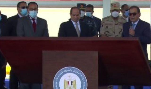 تفقد الرئيس السيسى لمنطقة جونة البترول بميناء الإسكندرية