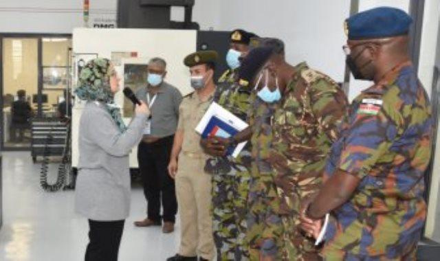 وفد عسكرى كيني يزور العربيه للتصنيع