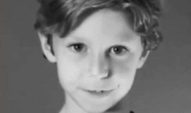 طفل..صورة توضحيه
