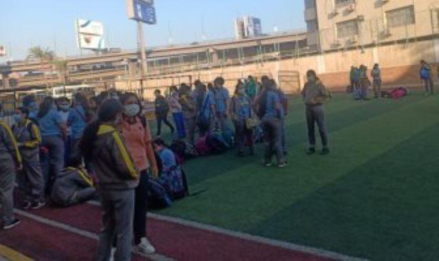 توافد طلاب المدارس فى أول يوم دراسة