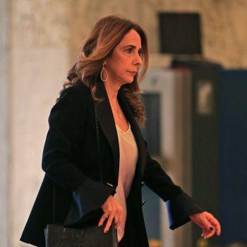 زينة عكر اول  وزيرة دفاع عربية فى لبنان