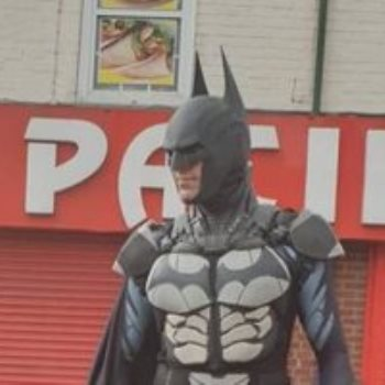 باتمان في شوارع بريطانيا