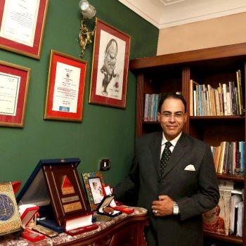 الكاتب الصحفى شريف عارف
