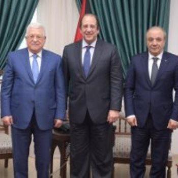 الوزير عباس كامل مع الرئيس الفلسطينى محمود عباس