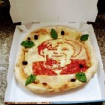 الرسم على البيتزا