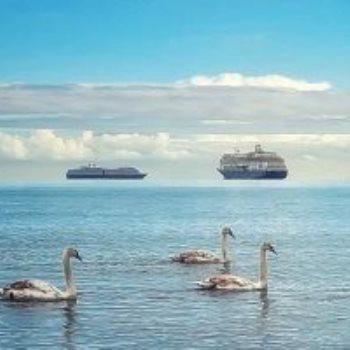 سفن تسبح فى الهواء وهم بصرى