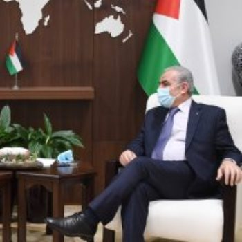 رئيس وزراء فلسطين يستقبل ممثل الاتحاد الأوروبي