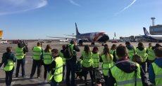 هبوط أول رحلة لمصر للطيران