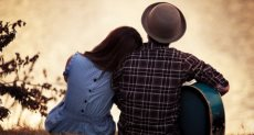 دراسة تثبت أن الحب للنساء يحصنهن من الأمراض