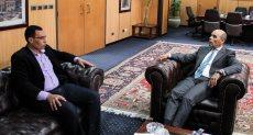 رئيس بنك القاهرة مع محرر دوت مصر