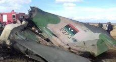 الطائرة سقطت في حقل نفطي
