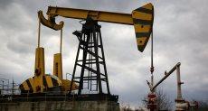 استخراج النفط-أرشيفية