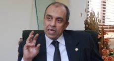 وزير الزراعة الدكتور عز الدين أبو ستيت