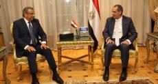 عصام الصغير خلال اجتماعه مع وزير الاتصالات