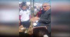 محافظ الجيزة ووزير الرى خلال مشروع زراعة الأشجار