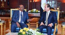 """الرئيس عبد الفتاح السيسي والرئيس السوداني """"عمر البشير"""""""