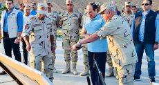 الرئيس السيسى يتفقد الأعمال الإنشائية لطريق النفق - شرم الشيخ