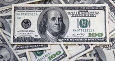 الدولار يواصل خسائره
