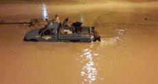 مياه الأمطار تحاصر سكان حدائق أكتوبر