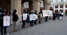 جانب من الوقفة الاحتجاجية فى النمسا اعتراضا على اعتقال الرضع فى تركيا