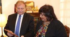 الدكتورة إيناس عبد الدايم وزير الثقافة وفدا برلمانياً من المجر برئاسة الدكتور استيفان هيلر نائب رئيس البرلمان