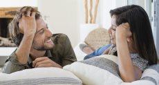 اهتمام الزوج بزوجته يحقق السعادة