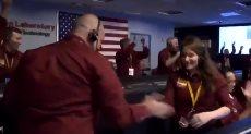 """رقص طاقم ناسا لهبوط """"إنسايت"""""""