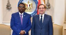 طارق الملا وزير البترول ونظيره عبد الرشيد محمد وزير البترول والثروة المعدنية الصومالى