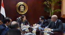 وزيرة الاستثمار سحر نصر خلال اجتماع اللجنة