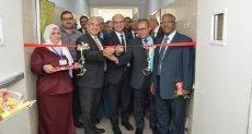 رئيس جامعة أسيوط يفتتح جناح الأنف والأذن والحنجرة