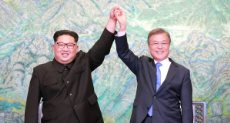 رئيس كوريا الجنوبية ونظيره الكورى الشمالى