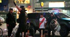 اشتباكات جماهير ريفربليت مع الشرطة