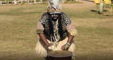 """رحلة """"هندي"""" لاحتراف الرقص الأفريقي"""