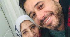 أحمد السعدنى ووالدته