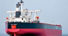 سفينة تحمل شحنة أسلحة تركية فى ميناء الخمس