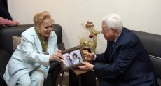 الفنانة نادية لطفى والرئيس الفلسطينى