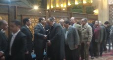نجل الشيخ عبد الباسط عبد الصمد يتلقى عزاء والدته