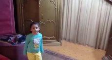 طفلة 4 سنوات ترقص