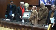 رئيس كتاب مصر يكرم الفائزين بجوائز الاتحاد